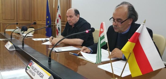 Jordi Miró, Presidente di Estat Català e Presidente de la Federació d'Entitats de la Mediterrània e Mauro Murgia - rappresentante dell'Abkhazia in italia
